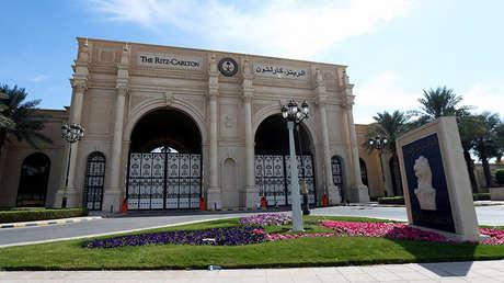 El hotel Ritz-Carlton en Riad, capital de Arabia Saudita, donde permanecen detenidos varios príncipes del reino.