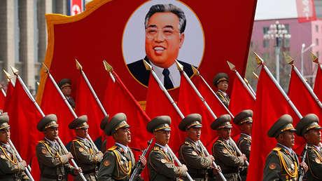 Desfile militar por el 105.º aniversario del nacimiento de Kim Il-sung en Pionyang, el 15 de abril de 2017.