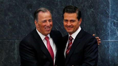 El presidente de México, Enrique Peña Nieto, acompañado del exsecretario de Hacienda, José Antonio Meade.