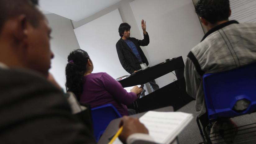 """Estudiantes piden a Dios """"fuerza e inteligencia"""" para aprobar un examen... y lo logran (VIDEO)"""