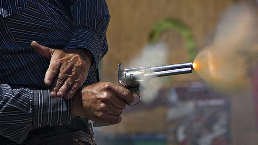 Un veterano de la Guerra de Corea que duerme con una pistola mata a un ladrón de un solo disparo