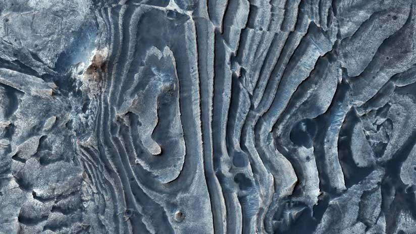 """¿Un fallo en Matrix?: La NASA revela una extraña imagen """"deformada"""" de la superficie marciana"""