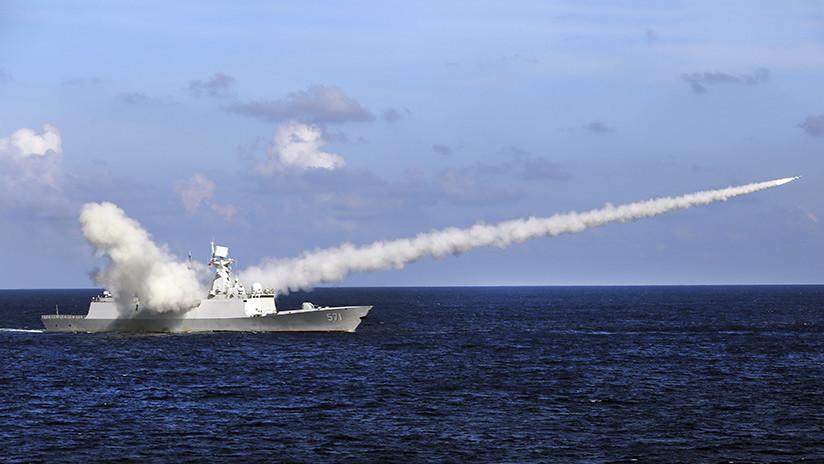 China realiza simulacros con fuego real cerca de Corea del Norte en plena crisis nuclear