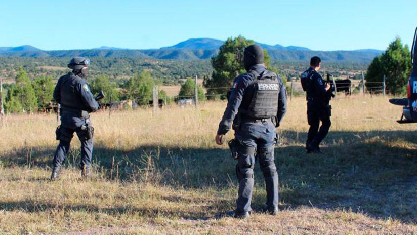 México: Narcos atacan una comandancia, matan a un guardia y dejan un mensaje escrito en su cadáver
