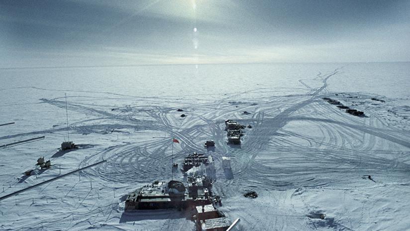 ¿Qué secretos esconde el mayor lago de la Antártida?