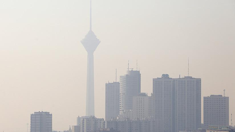 La contaminación obliga a las autoridades de Irán a cerrar escuelas e industrias
