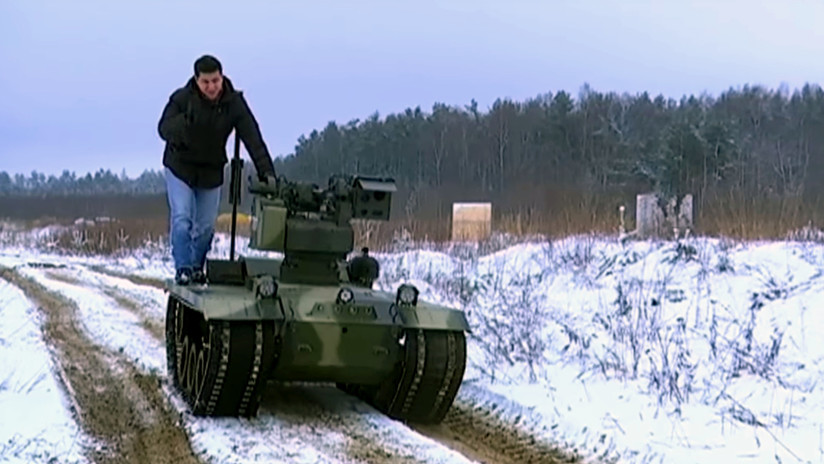VIDEO: el Ejército ruso prueba un robot kamikaze