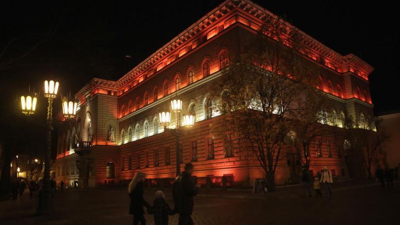El Parlamento de Letonia equipara a veteranos de las SS y del Ejército Rojo