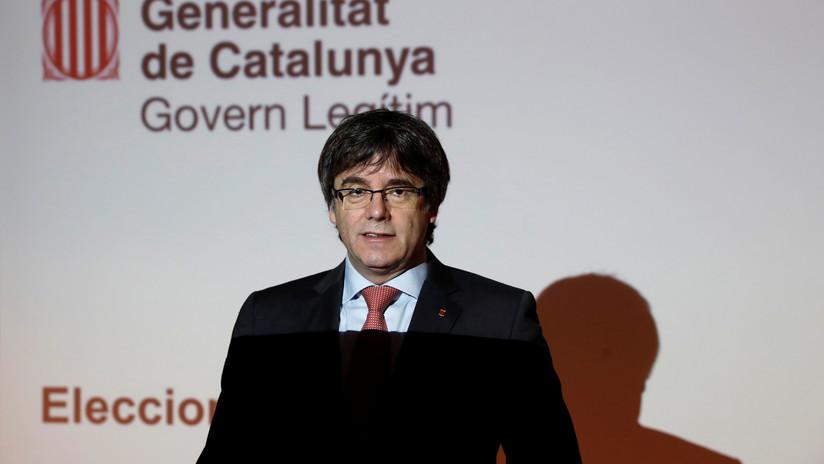 """Puigdemont: """"Rajoy debe retirar la policía y los hombres de negro de Cataluña"""""""