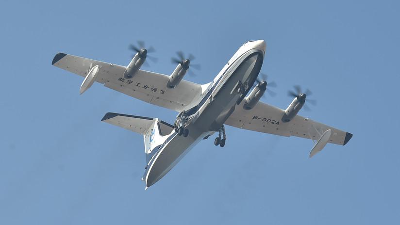 VIDEO: El avión anfibio más grande del mundo realiza su primer vuelo de prueba en China