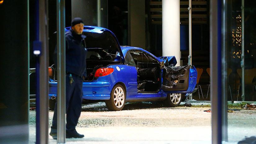 Intenta suicidarse estrellando su vehículo contra la sede del Partido Socialdemócrata en Berlín