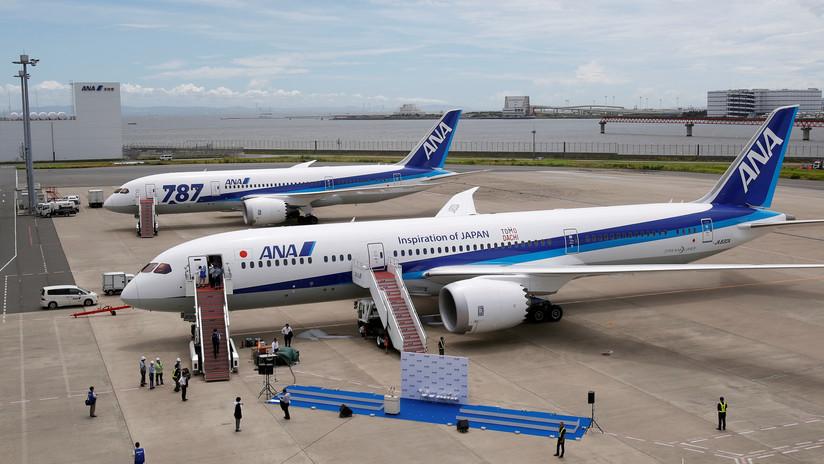 """Un avión que volaba entre Los Ángeles y Tokio regresa por llevar a bordo una """"persona no autorizada"""""""