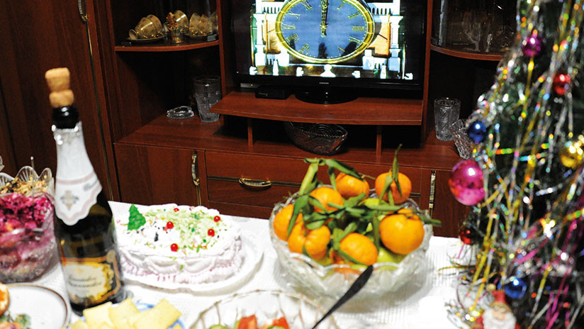 Mandarinas, olivié y arenques 'con abrigo de piel': ¿Se atreve a celebrar el Año Nuevo 'a la rusa'?