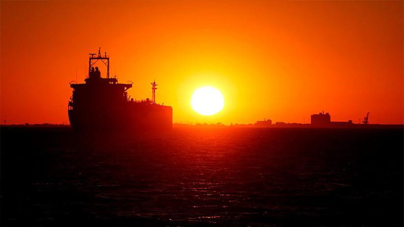 Corea del Sur retiene un buque panameño sospechado de vender petróleo a Corea del Norte