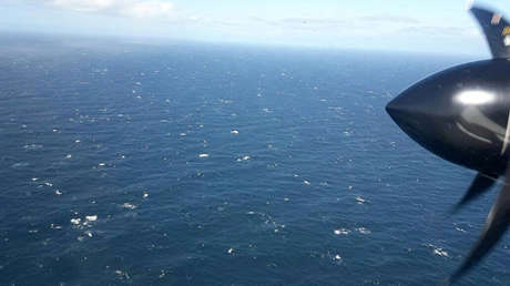Vista del océano Atlántico desde un avión argentino durante la búsqueda del submarino ARA San Juan, el 22 de noviembre de 2017.