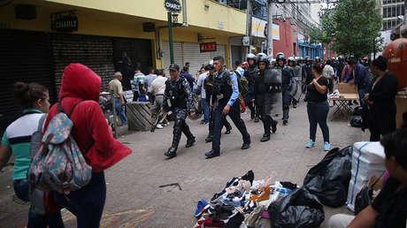 Un patrulla de Policía en una calle de Tegucigalpa, Honduras, el 2 de diciembre de 2017.