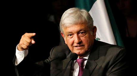 Andrés Manuel López Obrador, candidato a la Presidencia de México por el partido Movimiento de Regeneración Nacional (Morena), durante un discurso, el 20 de noviembre de 2017.