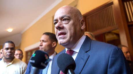 El exalcalde de Caracas Jorge Rodríguez habla desde Santo Domingo, República Dominicana, antes de reunirse con representantes de la oposición venezolana. 2 de diciembre de 2017.