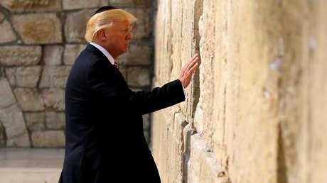 El presidente de EE.UU., Donald Trump, junto al Muro de las Lamentaciones