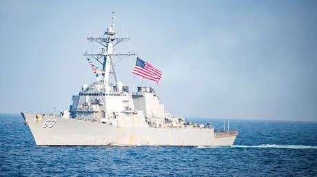 El destructor estadounidense USS Stethem participa en unos ejercicios conjuntos con Corea del Sur cerca de la península coreana, el 22 de marzo de 2017.