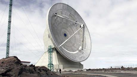 El radiotelescopio milimétrico más grande del mundo, en el volcán Sierra Negra (México),  20 de junio de 2011.