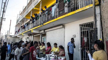 Emblemático edificio del centro de Tijuana en donde residen solo haitianos.