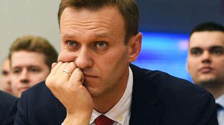 Alexéi Navalny en una reunión con la Comisión Electoral Central de Rusia (CEC).