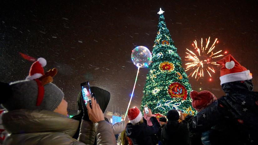 Con frío y sonrisas: Así celebraron el Año Nuevo en Rusia