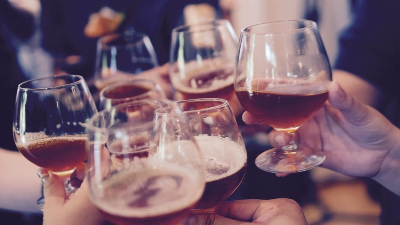 FOTO: Tenían tantas ganas de tomar alcohol durante Año Nuevo que construyeron una isla