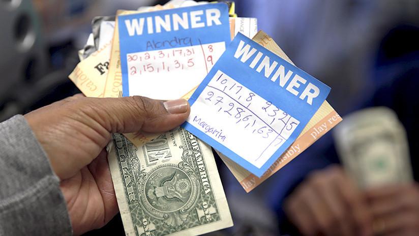 Regalo navideño de 19 millones: cientos de personas ganan la lotería por un fallo técnico