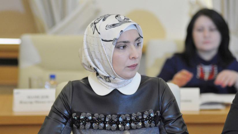 Una prominente musulmana se une a la lista de rivales femeninas de Putin en las presidenciales