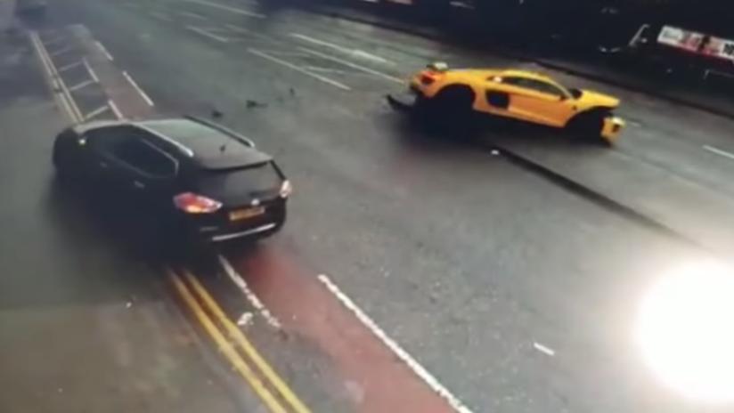 VIDEO: Un Audi de 110.000 euros levanta por el aire a un auto tras chocar contra él