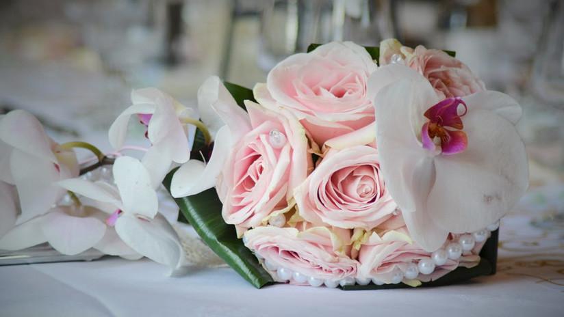 Se casa con tres mujeres en el mismo día para ahorrar en la boda (FOTO)