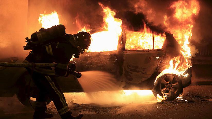 Francia: Más de 500 detenidos y 1.000 autos quemados en las celebraciones de Año Nuevo