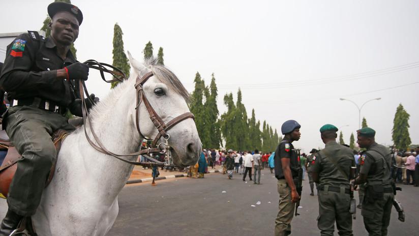 FOTO: Un atacante suicida mata a once personas en una mezquita en Nigeria