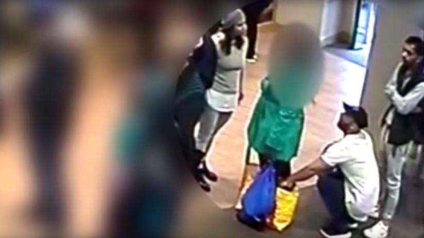 Trabajo en equipo: Tres ladrones roban con pericia a una mujer en un banco (VIDEO)