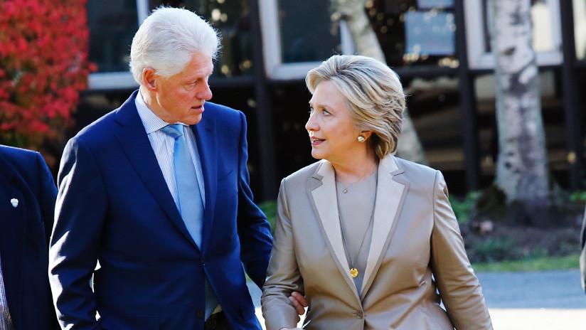 Bomberos combaten un incendio en la residencia de la familia Clinton en el estado de Nueva York