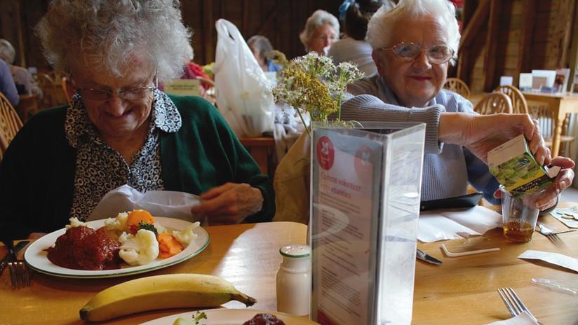 Comer a la misma hora todos los días puede ayudar a combatir la demencia