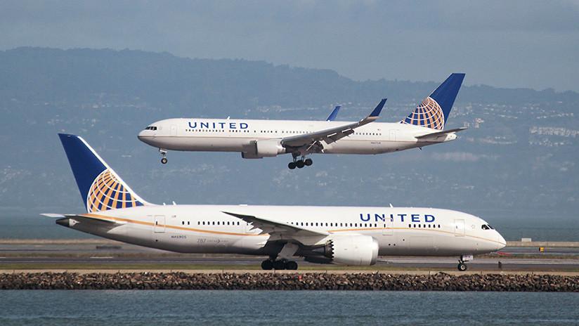Un avión aterrizó de emergencia porque un pasajero esparció sus heces