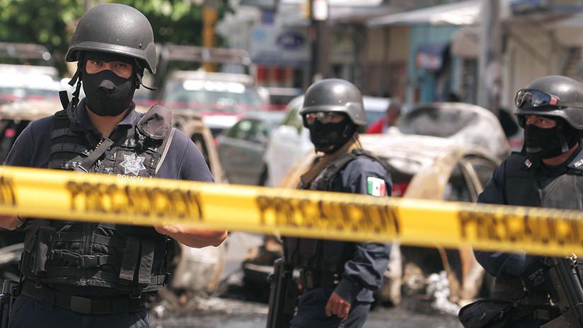 FUERTES IMÁGENES: Encuentran cinco cabezas sobre el 'cofre' de un taxi en México