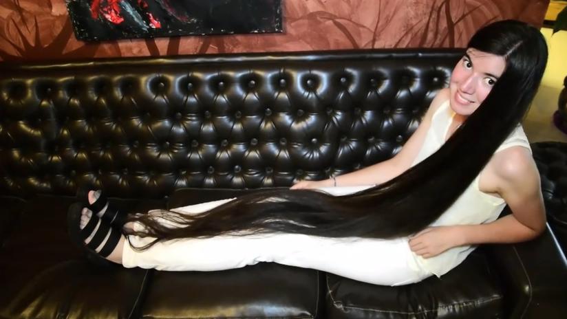 VIDEO: Así es la 'Rapunzel argentina' con el Guinness al cabello más largo del mundo