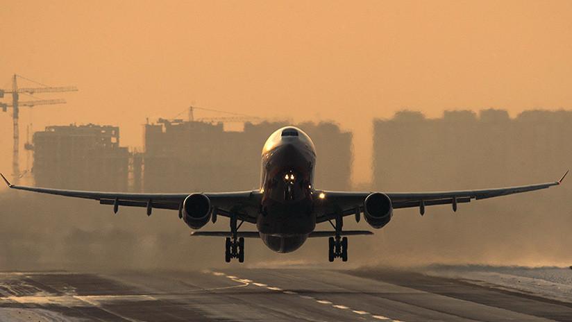 Un vuelo de Aeroflot a Nueva York regresa a Moscú