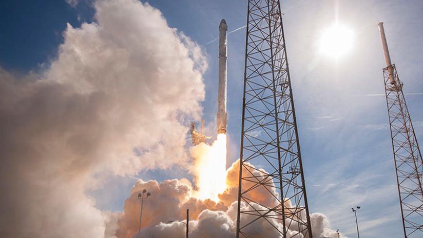 SpaceX lanza un misterioso satélite gubernamental (VIDEO)