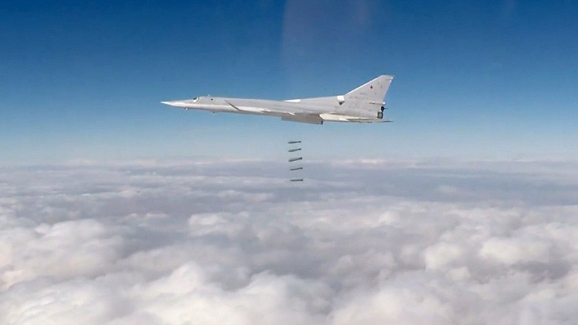 """""""No tiene análogos"""": El Ejército ruso obtendrá la nueva bomba planeadora inteligente Taladro"""