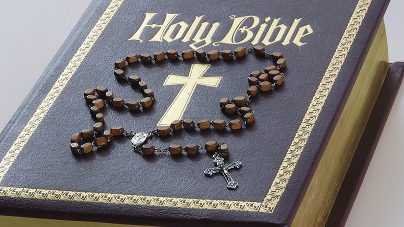 VIDEO: Falsos testigos de Jehová colombianos drogan con una Biblia a sus víctimas para robarles
