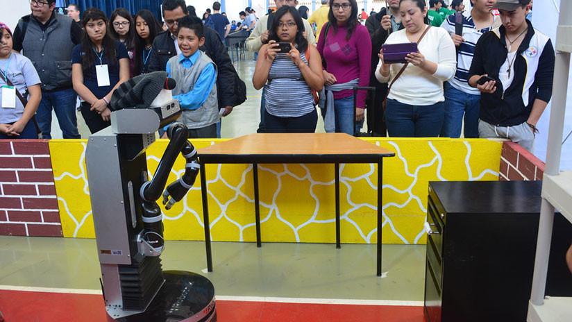 FOTOS: Especialistas mexicanos crean robot que adquiere habilidades por imitación