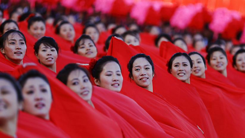 Un 'ejército de bellezas' norcoreano se prepara para invadir Corea del Sur