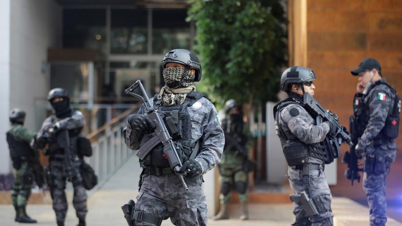 Bajos salarios, falta de capacitación y corrupción en las corporaciones policiacas de México