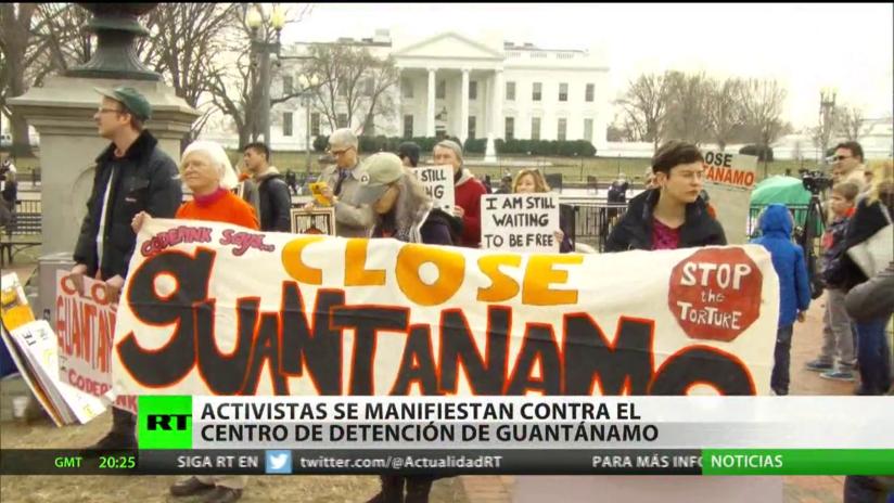 Activistas se congregan frente a la Casa Blanca para manifestar contra Guantánamo