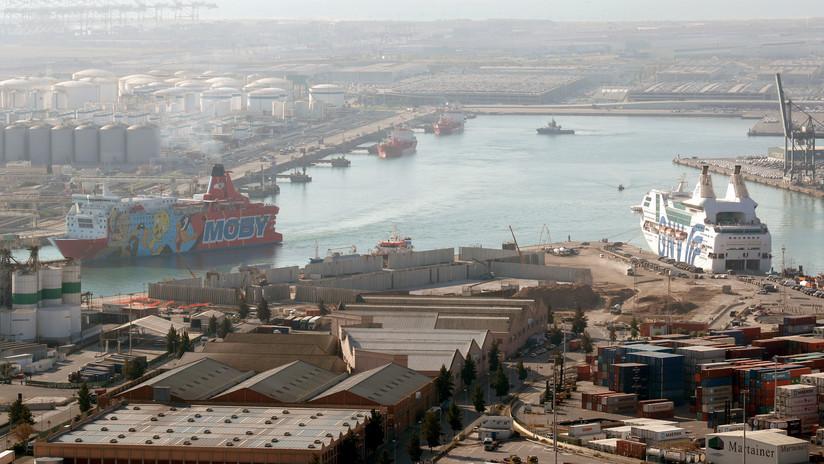 España: Un ferry y un crucero chocan en el Puerto de Barcelona